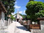 Monodendri kerk nabij centrale plein foto 1 - Zagori Epirus - Foto van De Griekse Gids